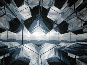 glass-1149192_1280