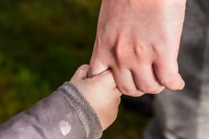 hands-1797401_1280